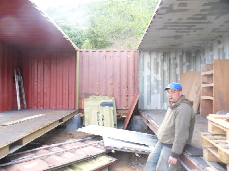 D coupe et am nagement des containers at entre2containers - Amenager un container en maison ...